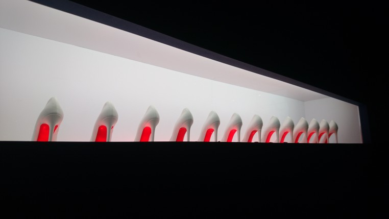 Ecarlate et planétaire, la semelle « signature » de Christian Louboutin