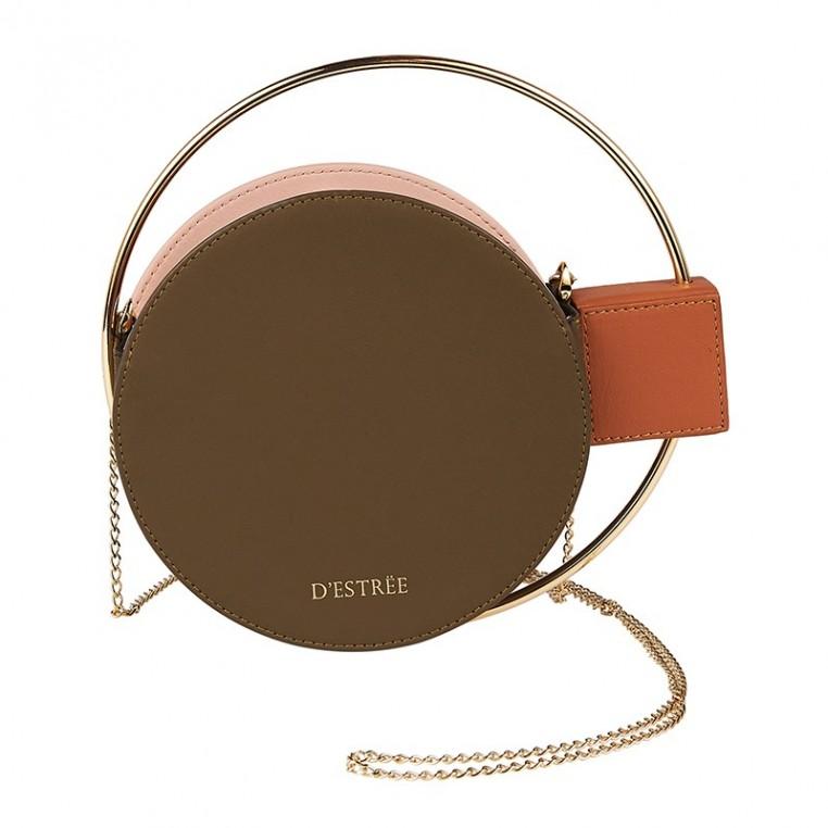 D'Estrëe combine luxe artisanal et inspiration arty.