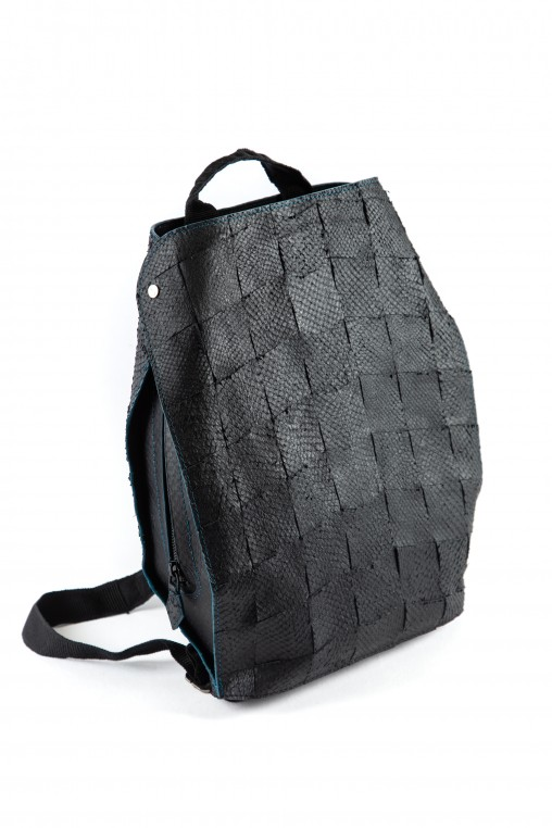 Le sac à dos éthique Scalia a été conçu par des apprentis étudiants chez les Compagnons du Devoir, à l'ENSCI Les ateliers et l'IFM.
