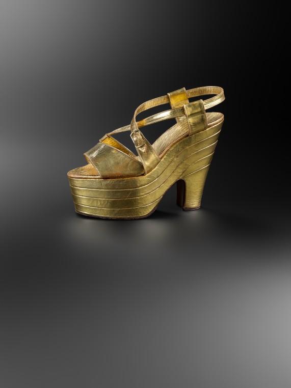 Marche et démarche. Une histoire de la chaussure.