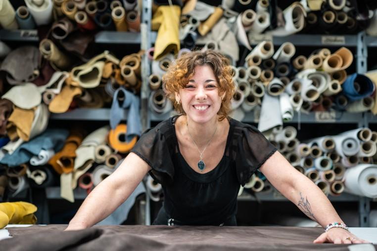 Céline Duval, responsable d'atelier de Cuir au Carré