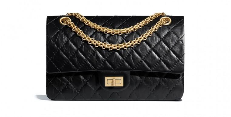 Le 2.55, signature de Chanel, est l'un des sacs les plus vendus au monde.