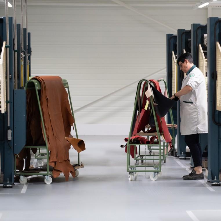 La noblesse du cuir au service de la maroquinerie française.