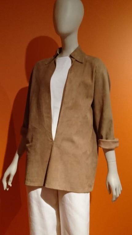 La vareuse est un vêtement emblématique de Margiela chez Hermès.