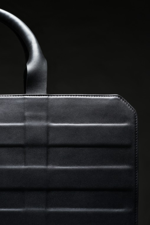 Odyssée urbaine, un cuir souple et protecteur comme une armure (2013)