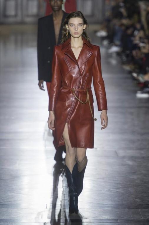 Manteau épuré en cuir de la Maison Givenchy