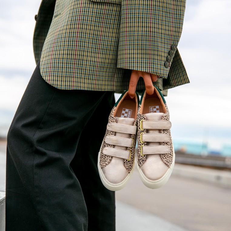 No Name impose le style en sneaker
