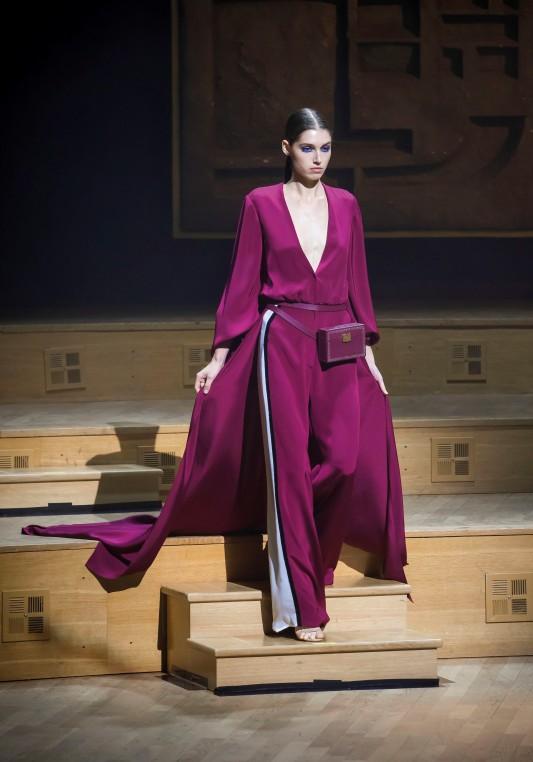 Sac écrin de l'atelier Philippe Martial. Stéphane Rolland Haute Couture Automne Hiver 2018-19