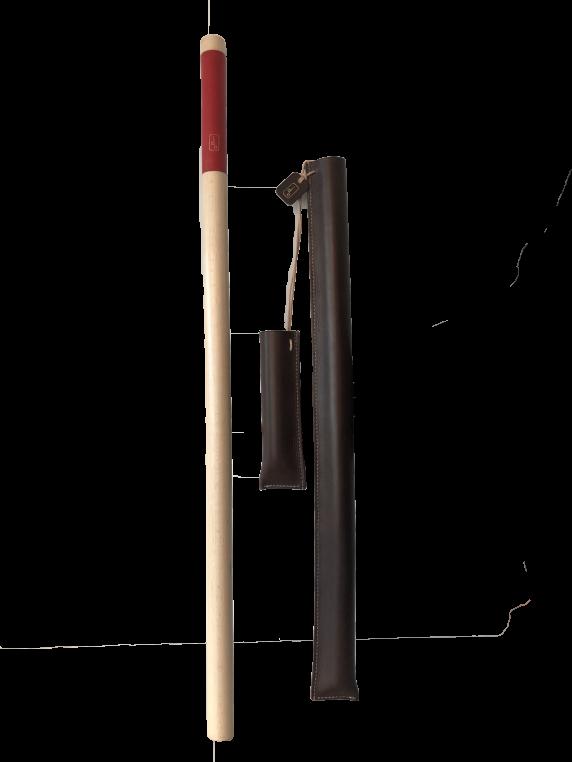 DAMIEN BEAL - brigadier de théâtre, bois de hêtre et cuir tannage végétal, cousu main, création pour l'exposition Cuir en  Scène, 2019