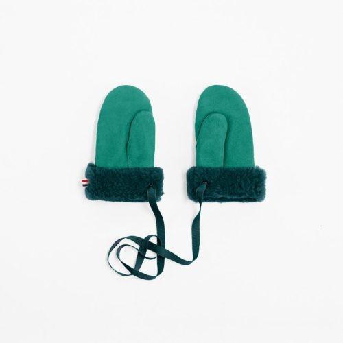 Toasties valorise le cuir de mouton à travers ses accessoires.