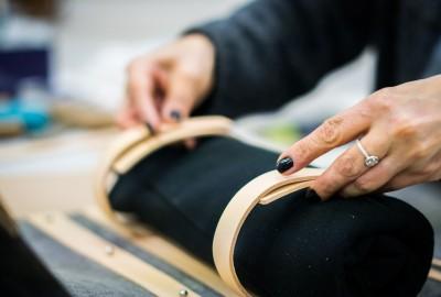 Atelier de maroquinerie à Paris.