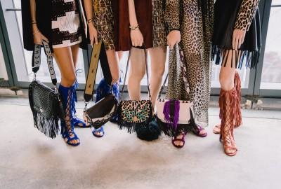 Les chaussures font partie de la diversification. Eté 2019