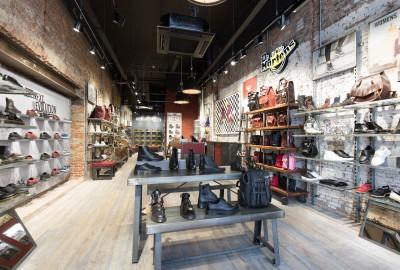 Nouveau concept store Dr Martens par le studio d'architecture OL3.